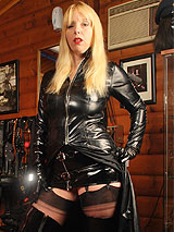 Sexy Lady Lucy in dominatrix outfit